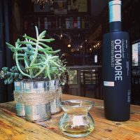 octomore-neat-glass